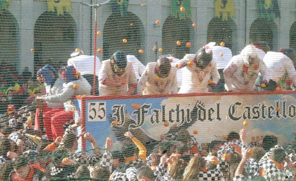Historischer Karneval Ivrea Orangenschlacht