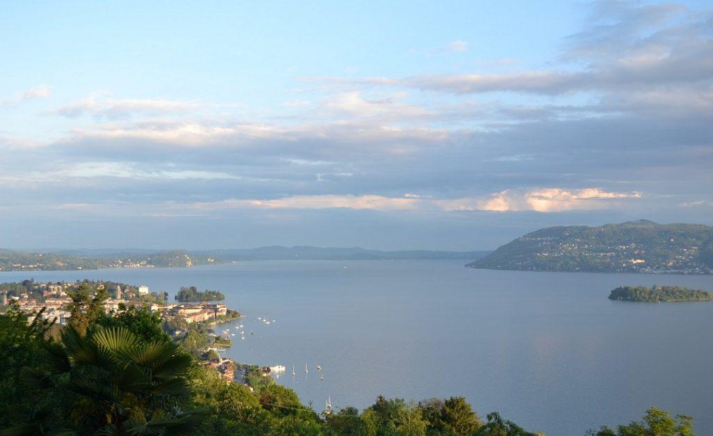 Blick auf den Borromäischen Golf Lago Maggiore