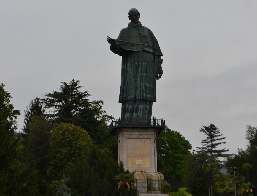 Statue des Carlo Borromeo in Arona