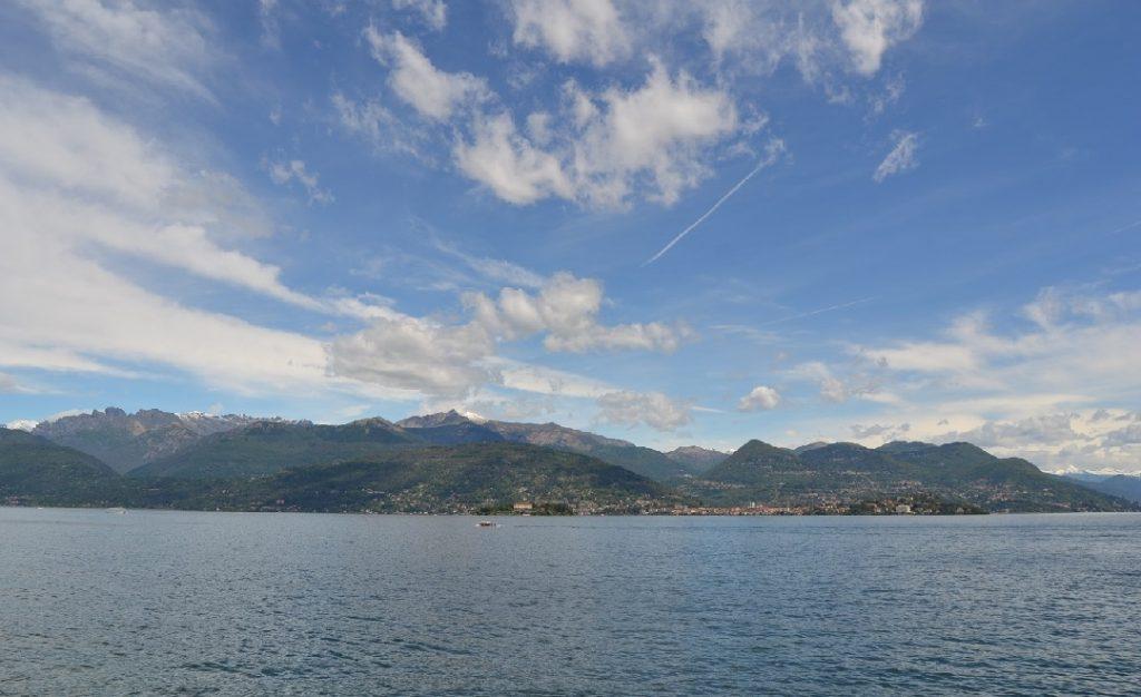 Blick auf Verbania und Val Grande mit Pedum von Stresa