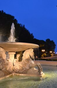 Four-Horses-Fountain in Fellini-Park