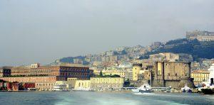 Blick auf Neapel mit Castel Nuovo und Palazzo Reale