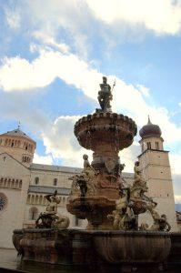 Trient Kathedrale San Vigilio und Neptunbrunnen