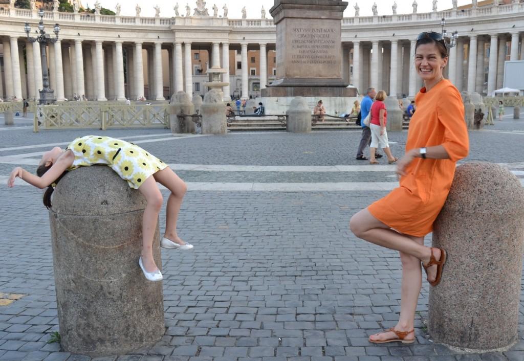 Herumalbern auf dem Petersplatz in Rom