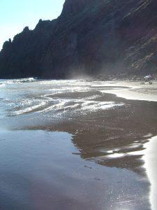Schwarzer Sand, Strand im Norden von Teneriffa