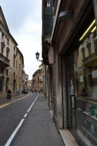 Studentenviertel mit Buchladen