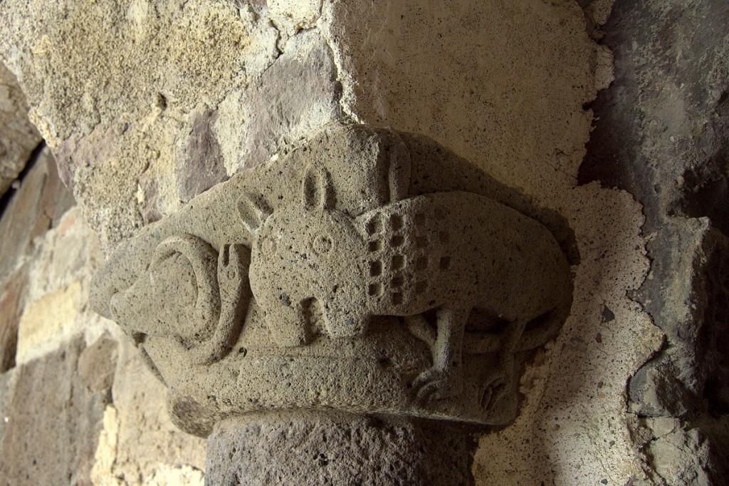Tierkapitell im normannischen Kreuzgang