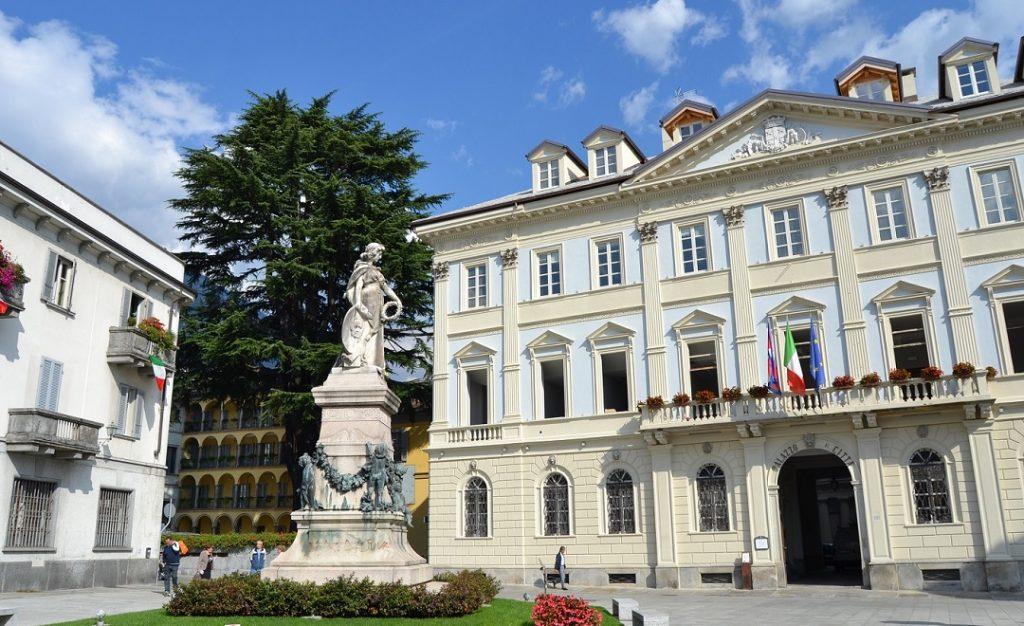 Piazza Repubblica dell Ossola (2)