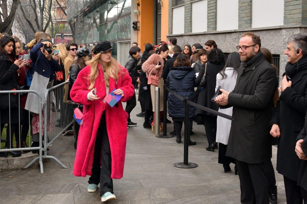 Ohne Einladung keine Schau. Einlass bei Armani, Mailand, Via Bergognone Februar 2018
